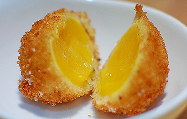 sous vide deep fried egg