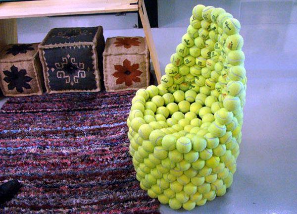 Möbel aus Tennisbällen bauen