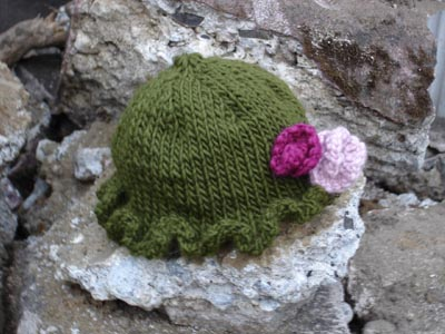 Jammer Beanie Knitting Pattern : 1920s Style Knit Baby Hat Pattern Make: DIY Projects, How-Tos, Electro...