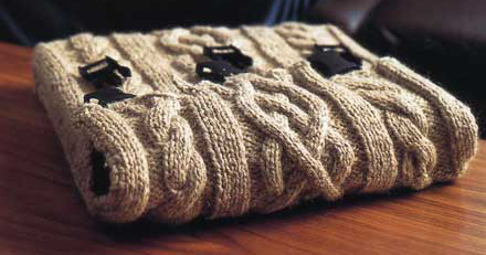 Cable Knit Laptop Sleeve Make: