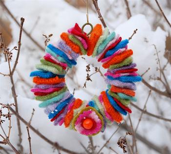 mini_wool_wreath.jpg