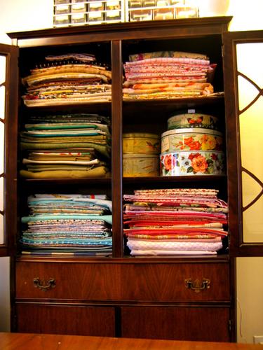inside_cabinet1.jpg