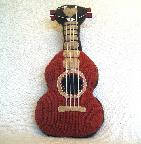 Free Pattern Crochet Guitar : Knitted Guitar Pattern Make:
