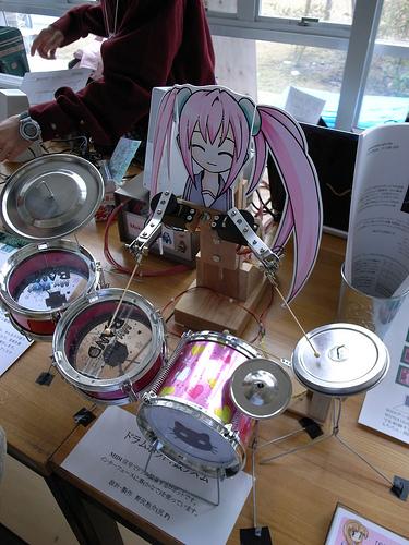 drumming_girl_robot.jpg