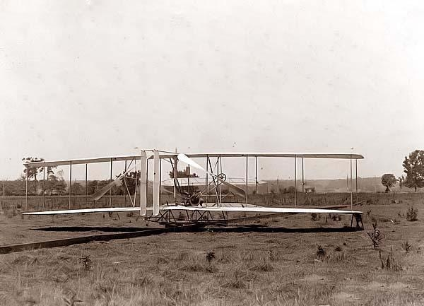 Wright-Brothers-Airplane-001-1