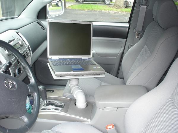 laptopmountpipe.jpg