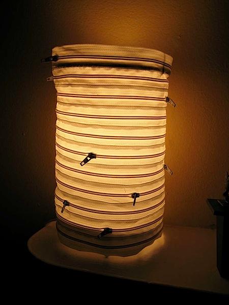 zipperlamp.jpg