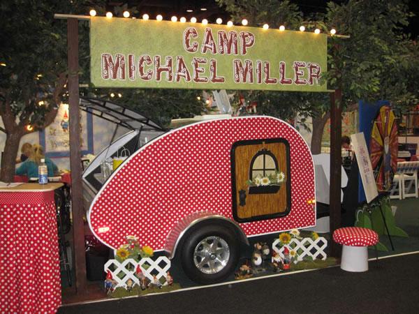 michael_miller_quilt_market_booth.jpg