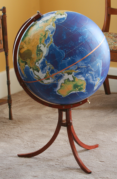 globe_with_stand.jpg