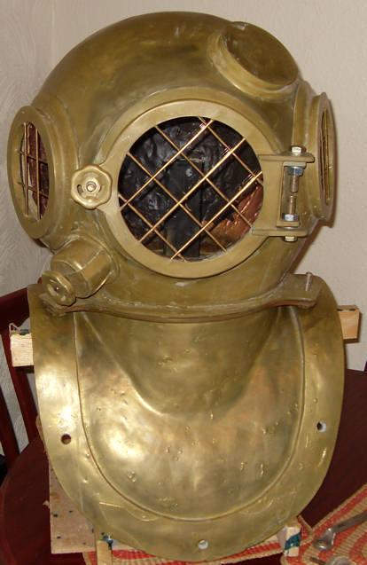 dark door prop diving helmet.JPG