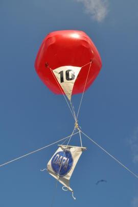 Balloon10_270x406.jpg