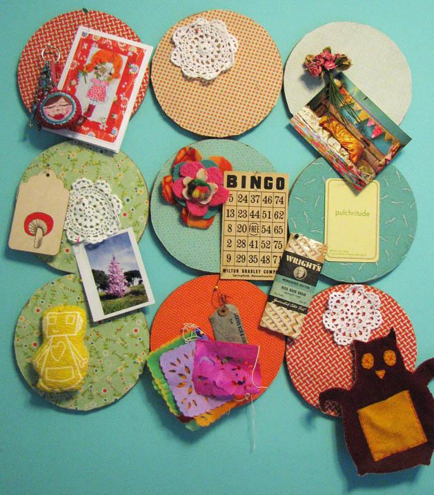 Fabric corkboard mosaic make for Manualidades para decorar el hogar