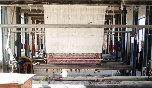 kerman-rugs-loom.jpg