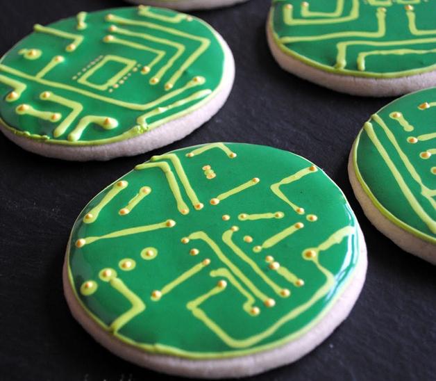 Circuit_board_cookies_nothumblepie.jpg
