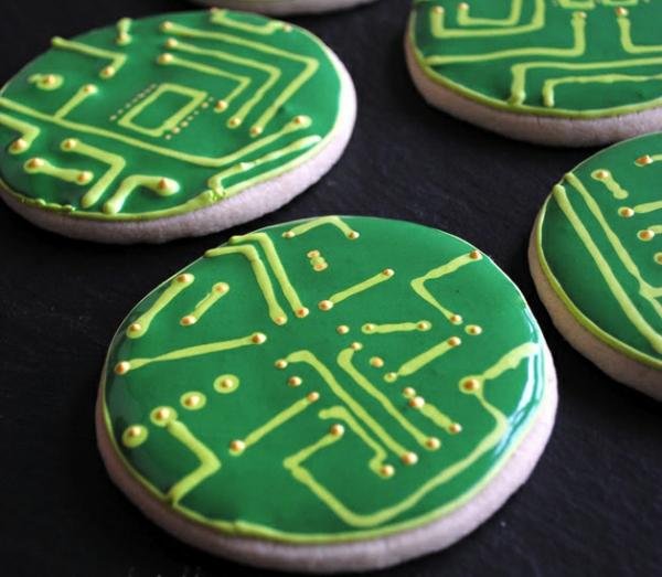Circuit_cookies_nothumblepie_make.jpg