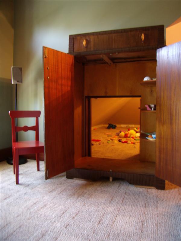 cowing-secret-playroom-2.jpg