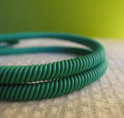 twisted_handmade_lime_wire_bracelet.jpg