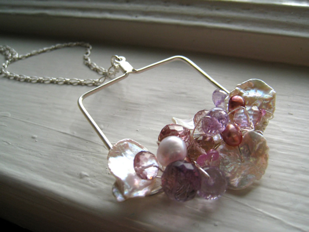 baz_biz_foamywader_necklace.jpg