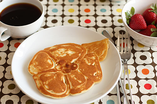 How_to_Make_Flower_Shaped_pancakes.jpg