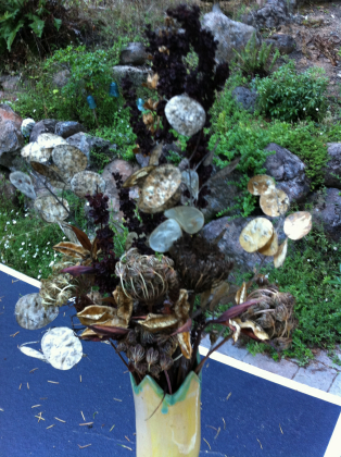 dried_flower_arrangement_large.jpg