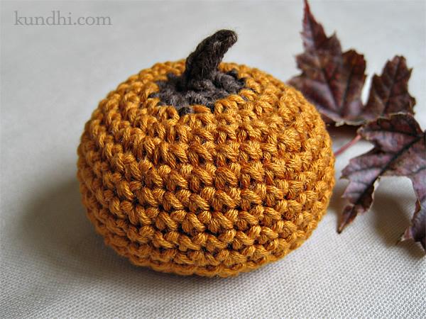 crochet_pumpkin_pattern.jpg