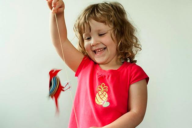 paper_woodpecker_rubberband_toy.jpg