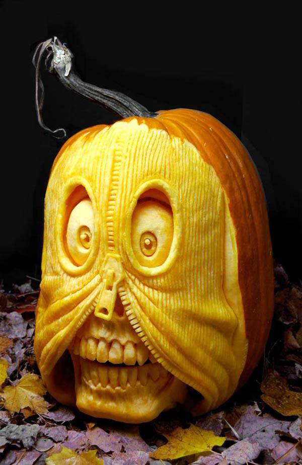 RayVPumpkin_2.jpg