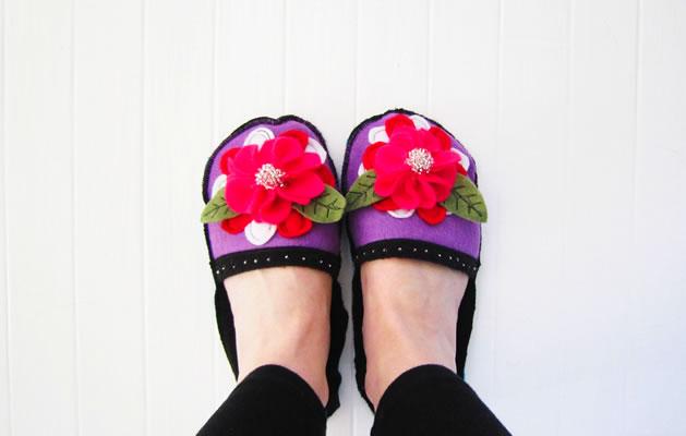 how_to_fun_felt_slippers.jpg