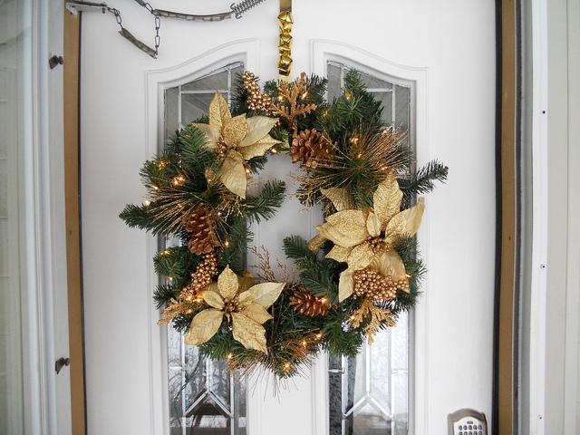 martha_holiday_wreath.jpg