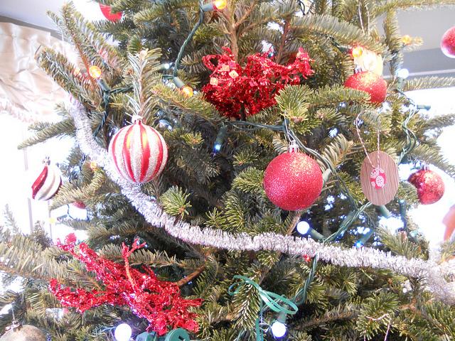 martha_ornament_zoom1.jpg