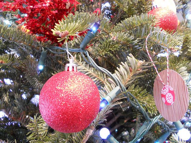 martha_ornament_zoom2.jpg