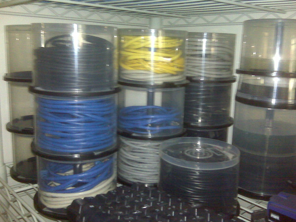 Cd-spindle-cable-storage.jpg