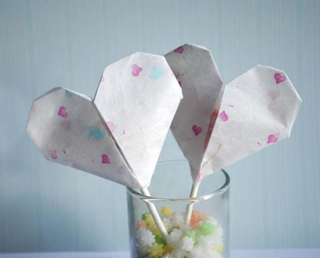 origami_heart_lollipops.jpg