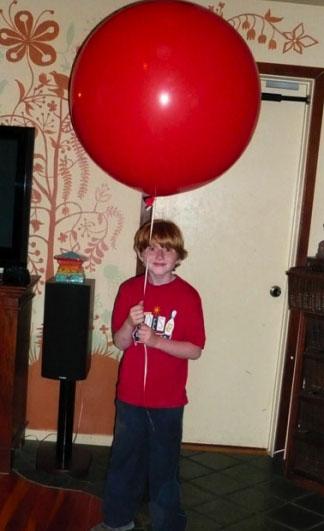 arlo_red_balloon.jpg
