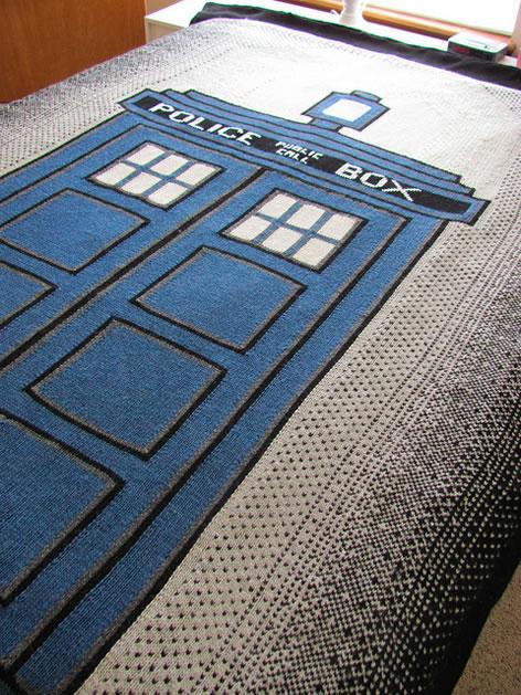 Tardis Blanket Knitting Pattern : Knit TARDIS Blanket Make: