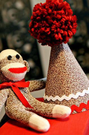 sock monkey birthday hat_step12b.jpg