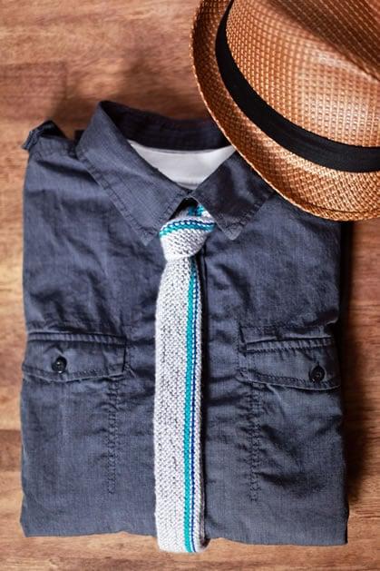 vertical_stripe_knit_tie.jpg