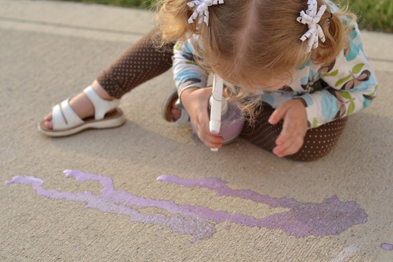 Infarrantly_Creative_Spray_Chalk_Drawing.jpg