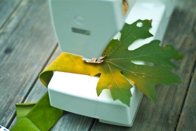 craftzine_leaf_garland_03.jpg