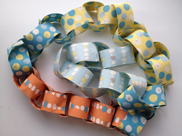 fabricpaperchain_finished.jpg