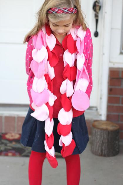 fleece_no_sew_petal_scarf_givers_log.jpg