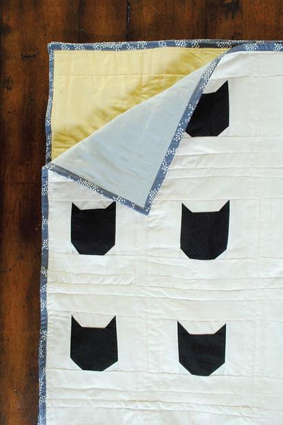 modern_black_cat_quilt.jpg