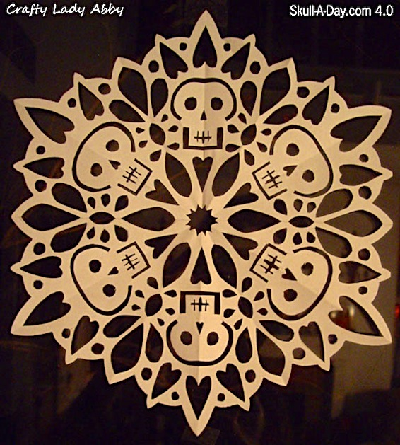 21 Brillant Objects Made From Recycled Materials likewise 20 Years Living Best Handmade Christmas Decorations together with 30962316166413068 also Star Frame Stars Around Frame besides Ste unk Chain And Gears Frame. on 20 mini lights for crafts