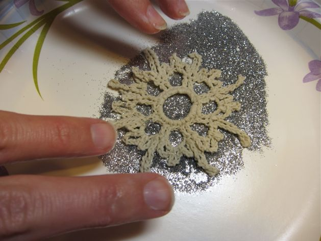 Crocheted_Snowflake_Ornaments_Step7.jpg