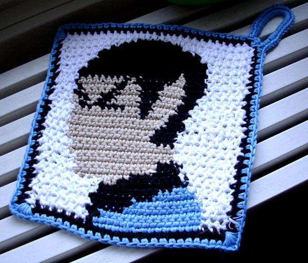 crochet_spock_potholder.jpg