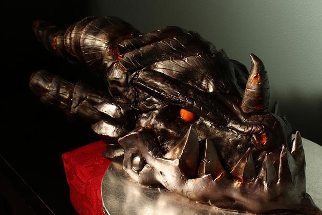 deathwing_wow_cake.jpg