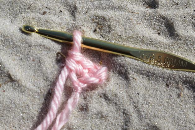 crochetconversationheart_step 1.jpg
