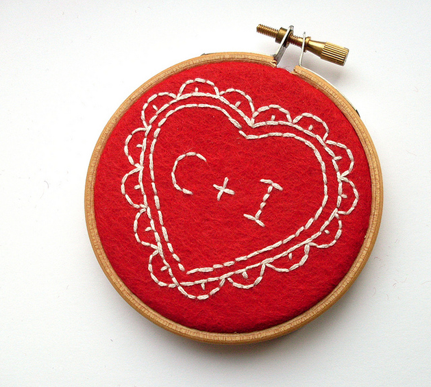 felt_heart_embroidery_valentines.png