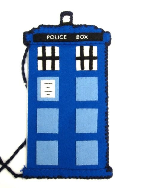 TARDIS_Phone_Charging_Station_Step08b.jpg