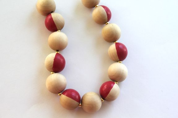 Colored Wooden Bead Necklace How-to Two-color Wooden Bead